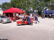 Der mobile Feuerwehr-Shop bei der Jugendfeuerwehr