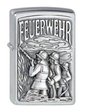 Zippo Feuerzeug Brushed Chrome Firefighter in Action