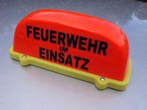 Dachaufsetzer FEUERWEHR IM EINSATZ leuchtrot