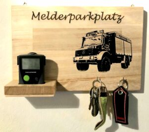 Melderparkplatz Feuerwehr Unikat aus Holz